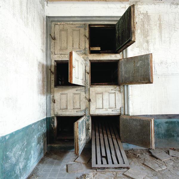 Morgue, Eliis Island, New York