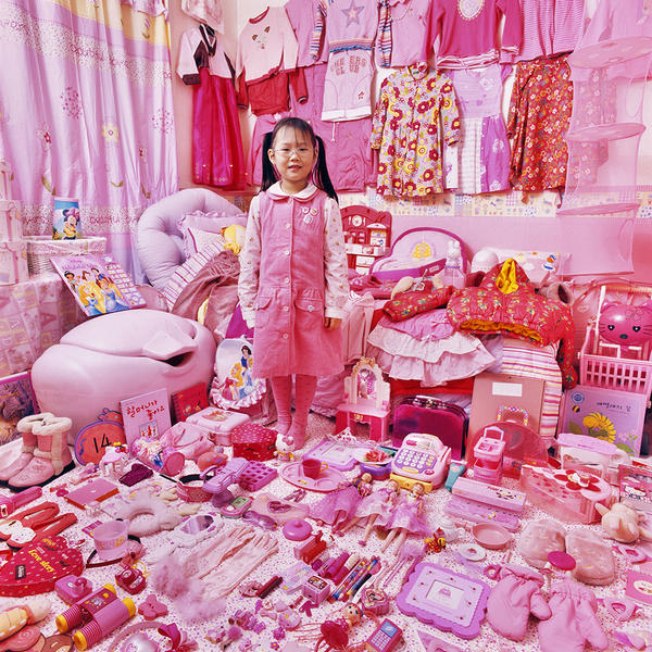 Sehyun and Her Pink Things, Light jet Print, 2007