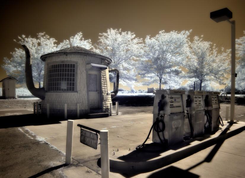 Teapot Gas Station, Zillah, Washington